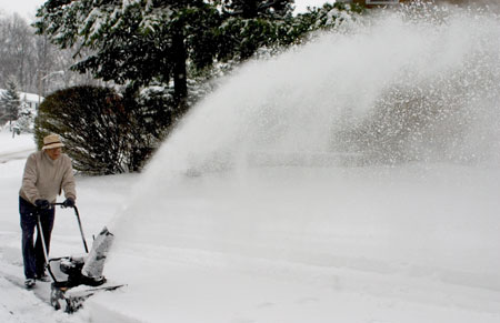 12-09-070 snow blower